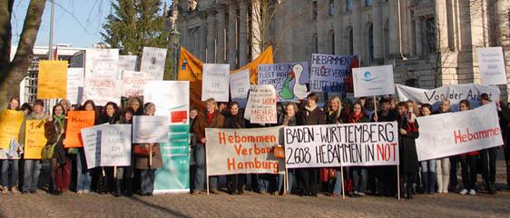 Protestkundgebung 2009 in Berlin, © Noel Tovia Matoff/Deutscher Hebammenverband